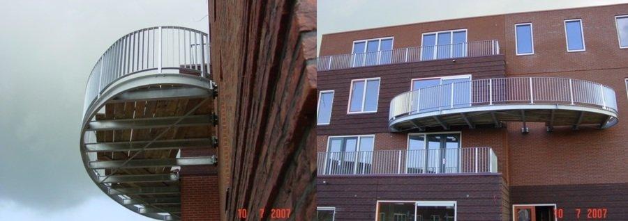Overhangend balkonbordes werk BAM Saendelft
